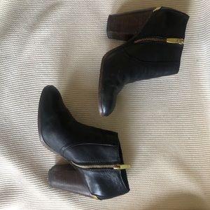 [coach] black booties. Size 8.